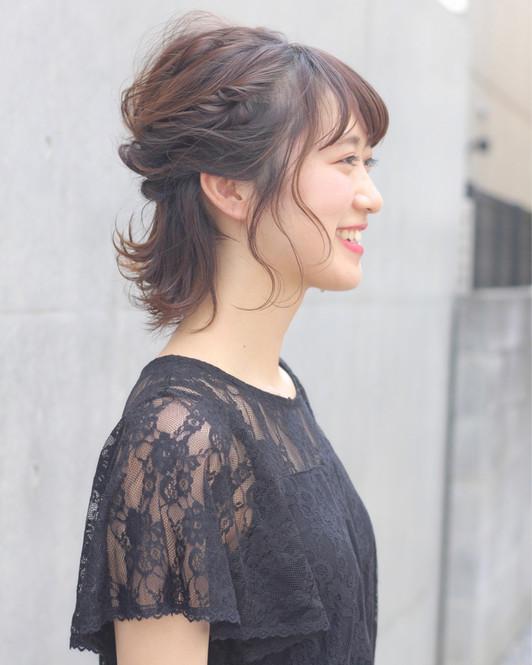 短めヘアも華やかアレンジOK♡
