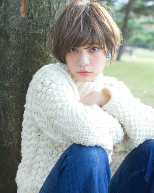20272babacc581 冬イチ着るのはコレ♡「ざっくり白ニット」で叶う愛されコーデ - LOCARI ...